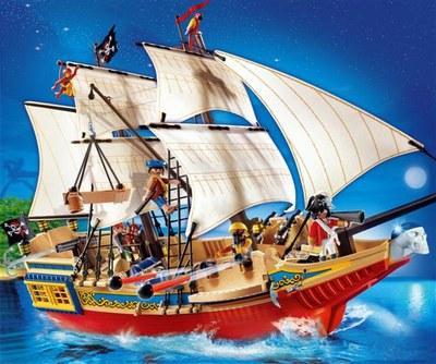 Bateau pirate playmobil small 150813 l